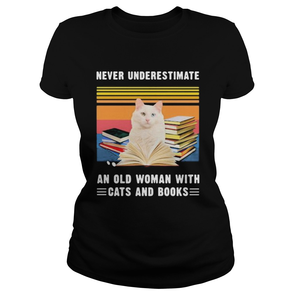 NEVER UNDERESTIMATE AN OLD WOMAN WITH CATS AND BOOKS TURKISH VAN CAT VINTAGE RETRO  Classic Ladies